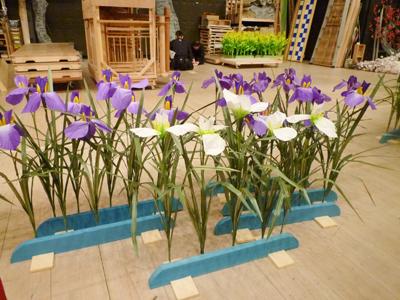 舞踊会の造花